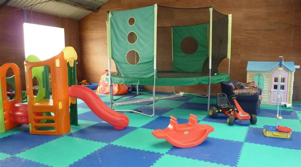 535-12-Playshed