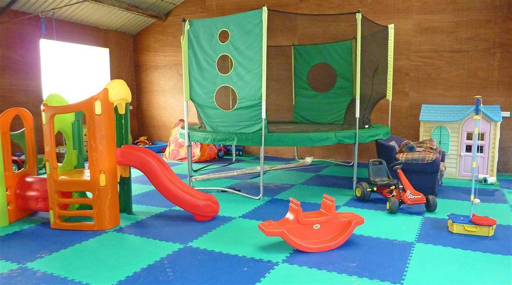 535-8-play area