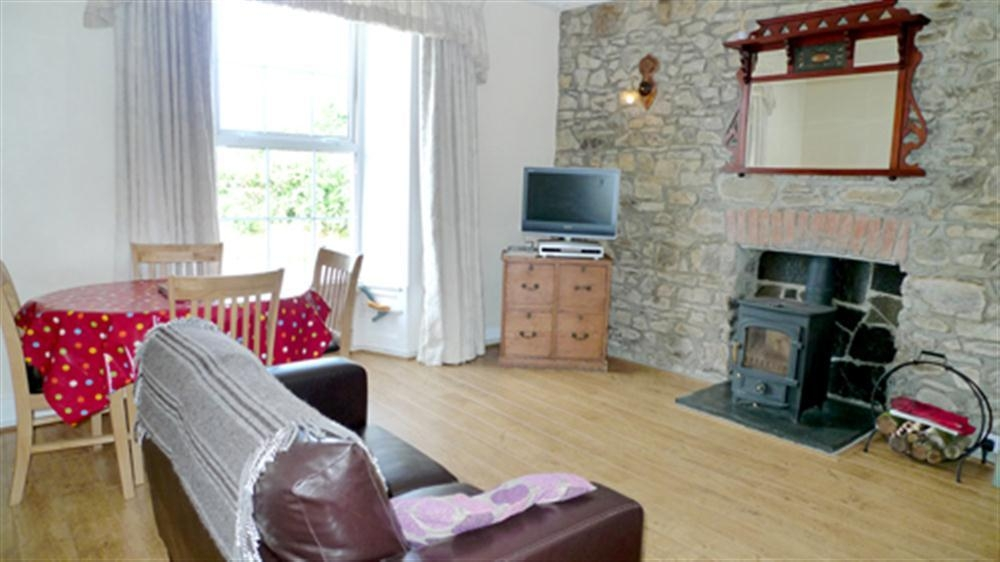 Photograph of 2132-1-Clare House sitting room