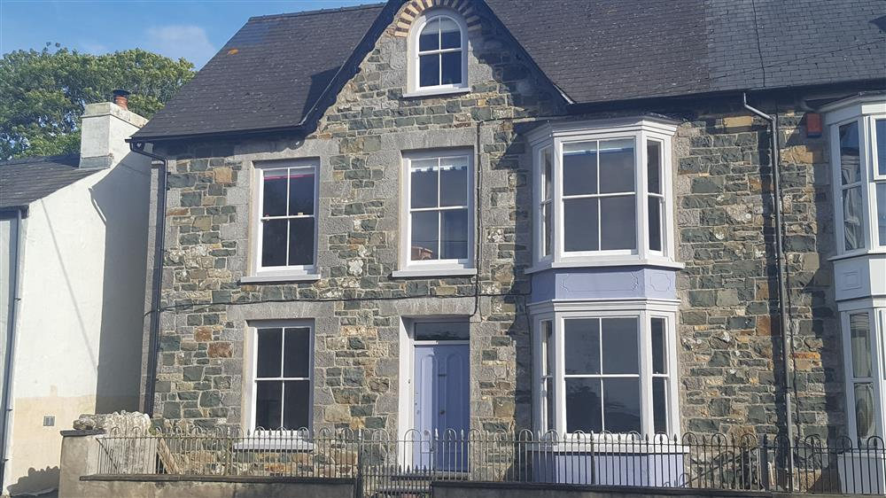Large Stone House - Dinas Cross - Sleeps 10 - Ref 2194
