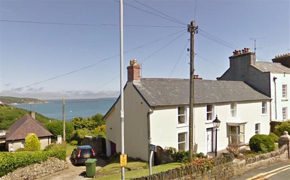 Sea view house with enclosed garden overlooking Fishguard Bay - Sleeps 10 - Ref 707