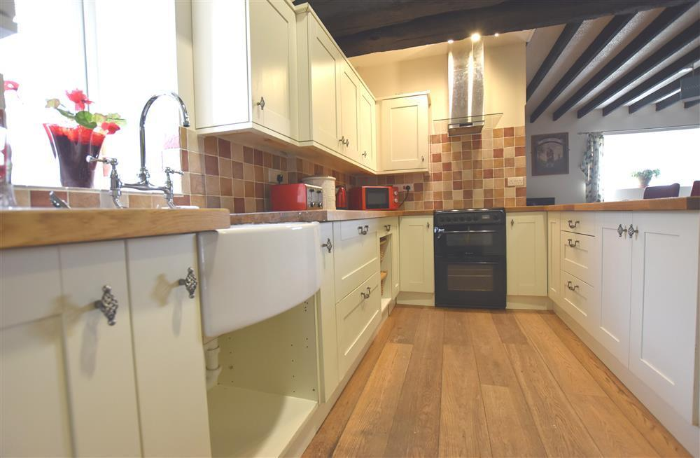 Photograph of 2213-4-kitchen