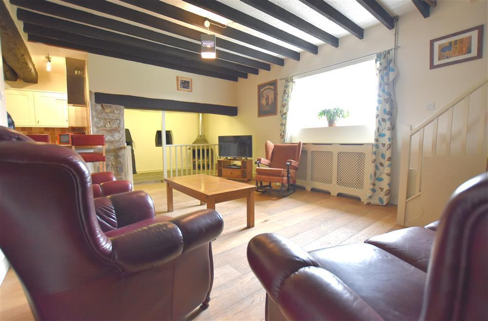 Comfortable character cottage on a very quiet country lane - Sleeps 6 - Ref 2213