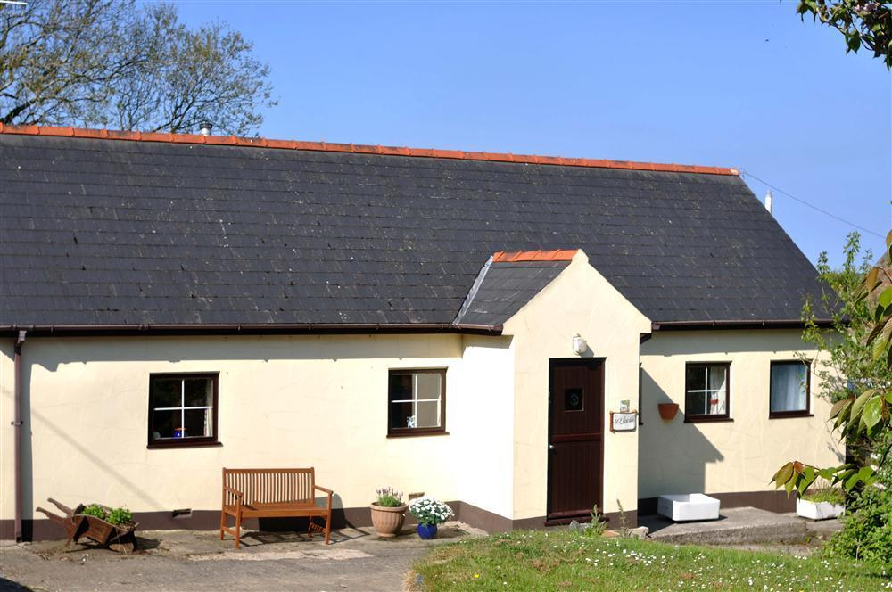 Charming Cottage - Fishguard - Sleeps 4 - Ref 653