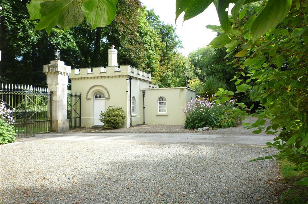 Grade 2 listed castellated Gatehouse Lodge at Picton Castle  Sleeps: 3  Property Ref: 2234