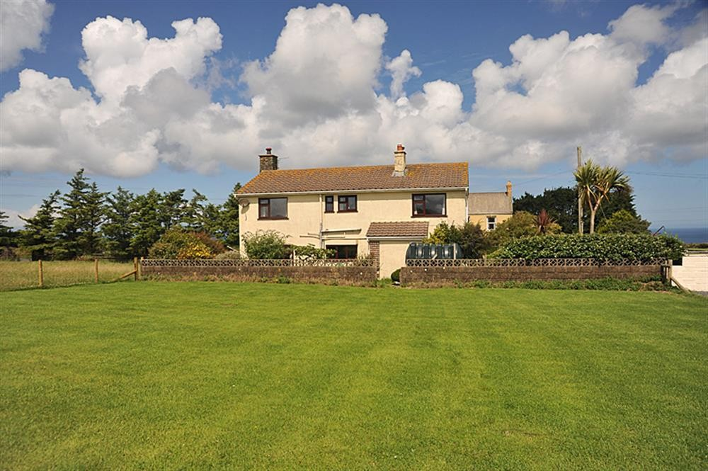 Large House - near St Davids - Sleeps 10 - Ref 527