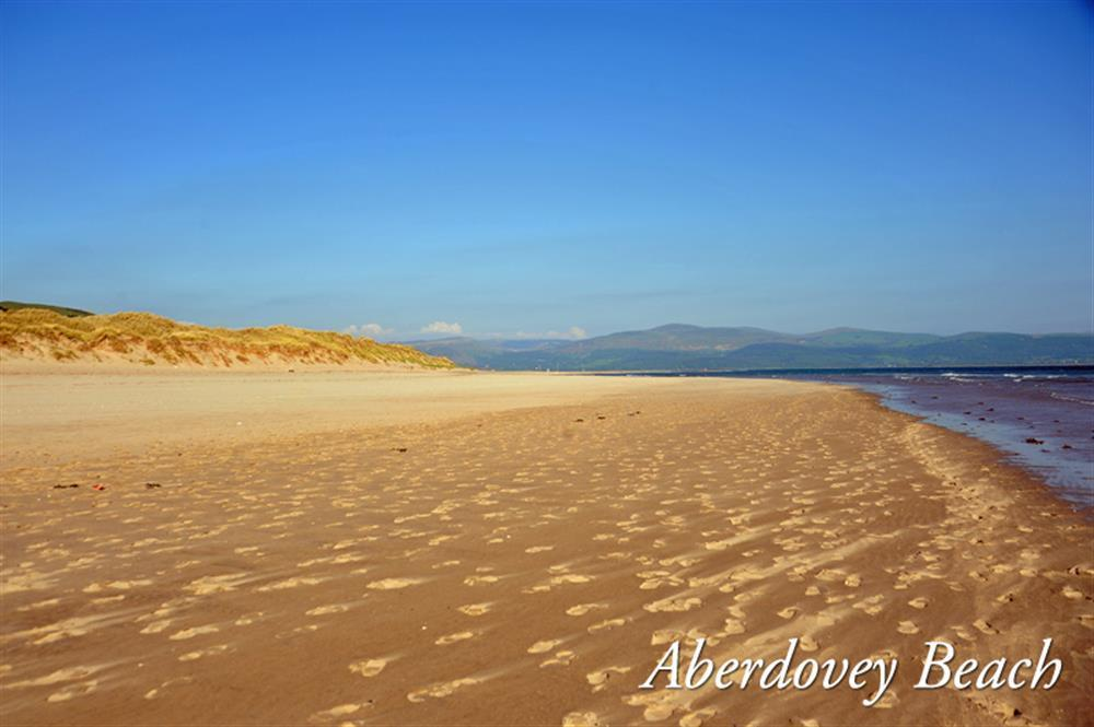 Photograph of 2097-extra5-Aberdovey Beach