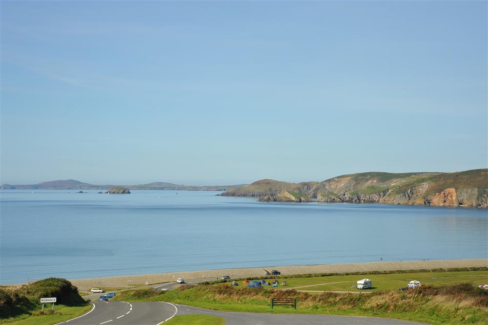 Photograph of 2213-extra-newgale-beach