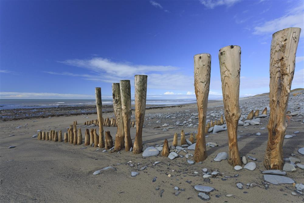 Photograph of 519-9-Llanrhystyd beach