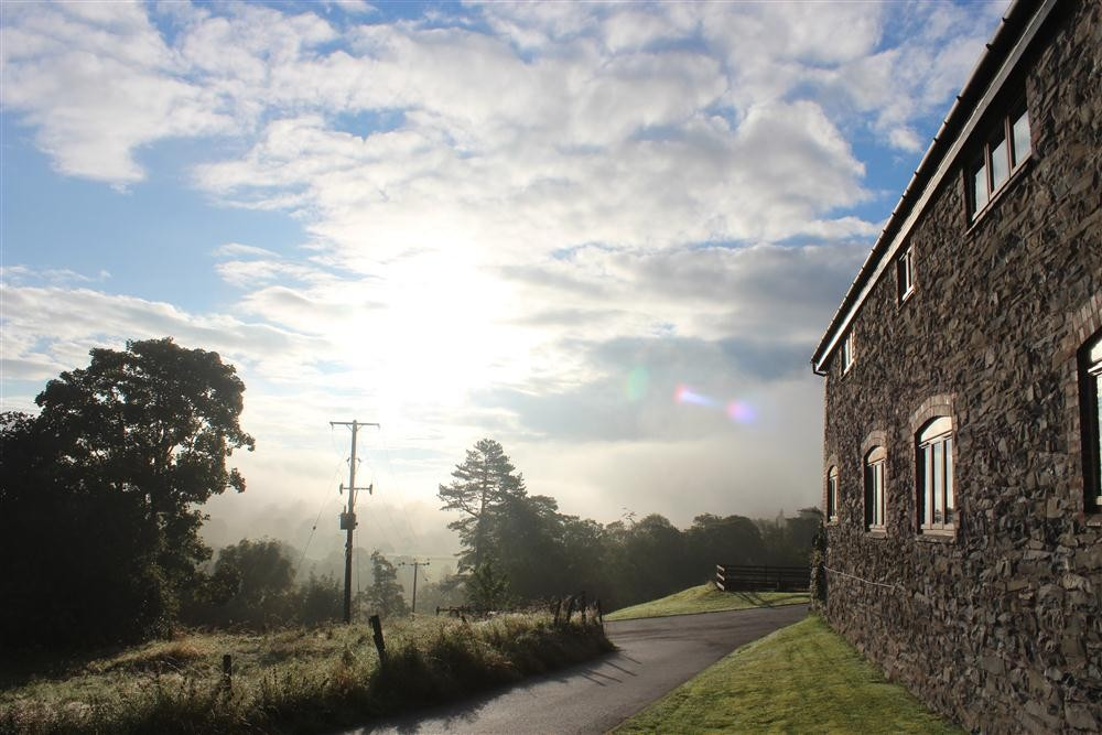Barn Conversion - Llangollen - Sleeps 4 - Ref 2081