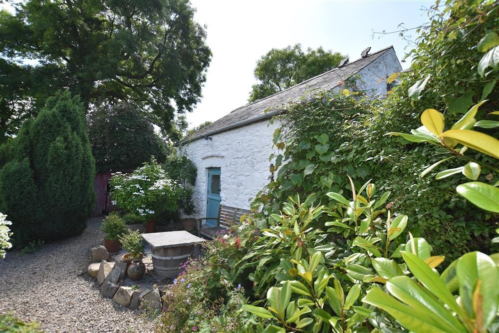 Garden Cottage Dinas