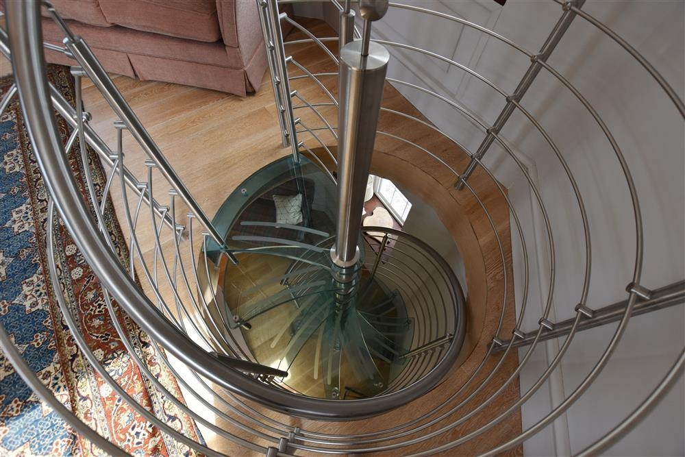 2193-7-glass spiral staircase