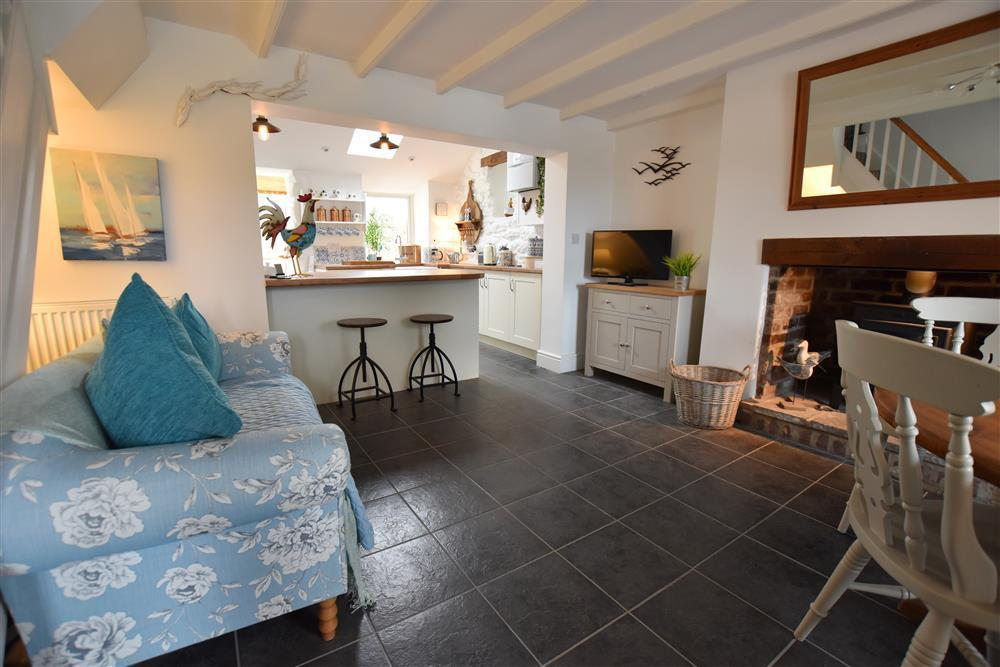 Contemporary character cottage near Strumble Head and coast - Sleeps 5 - Ref 2209