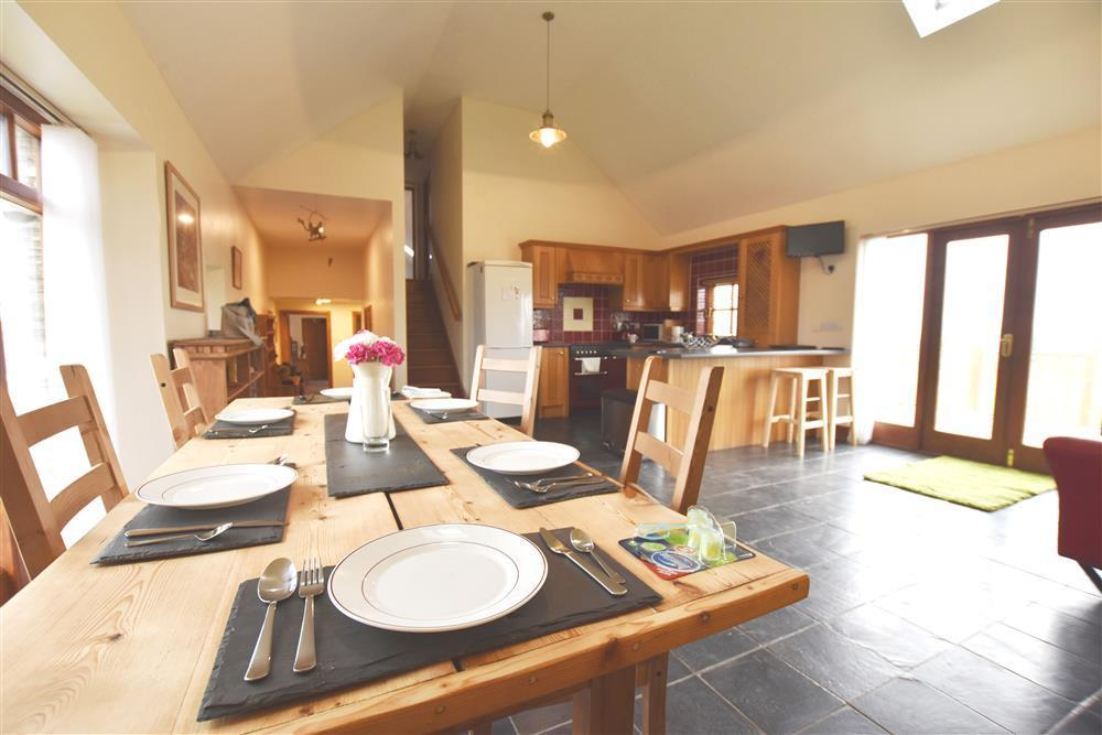 Detached house in unique location on a traditional Welsh shire horse farm - Sleeps 6 - Ref 2217