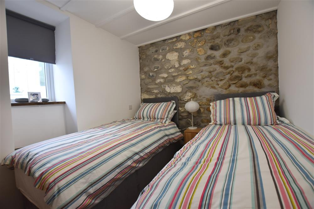 2211-3-twin bed