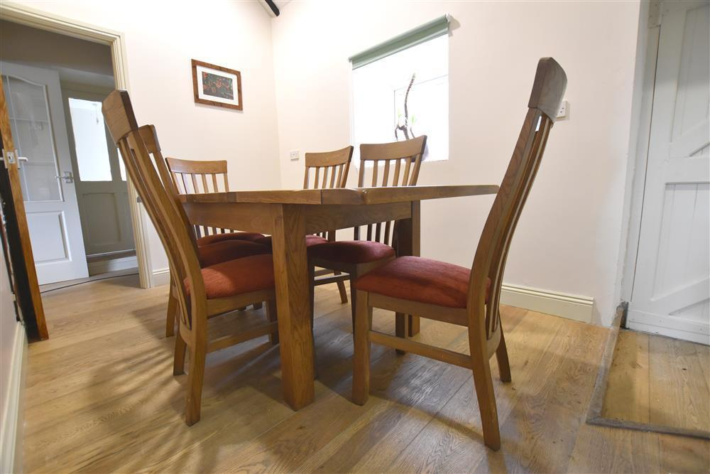 Photograph of 2213-5-dining area