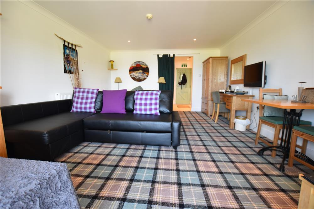 Photograph of 2222-2-Open plan Golf Club apartment