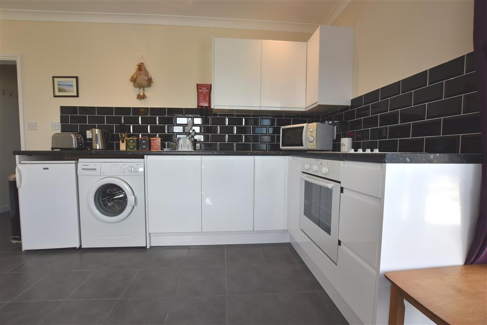 Photograph of 2227-2-kitchen (1)