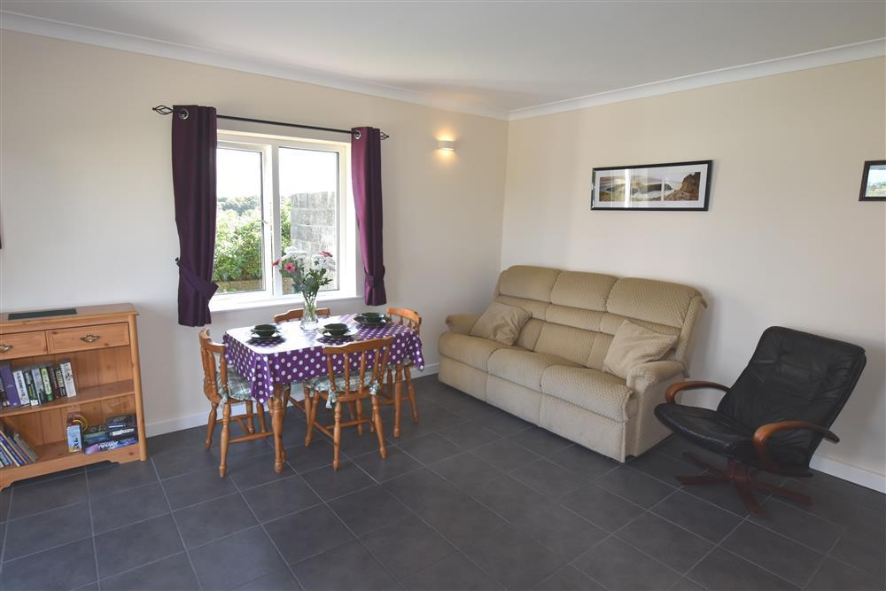 Photograph of 2227-3-open plan (1)