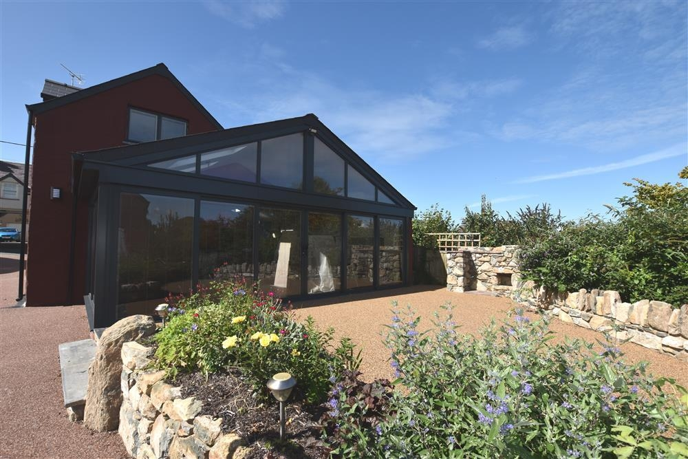 Fabulous Stylish House - Newport sleeps 6/8 - Sleeps 8 - Ref 2226