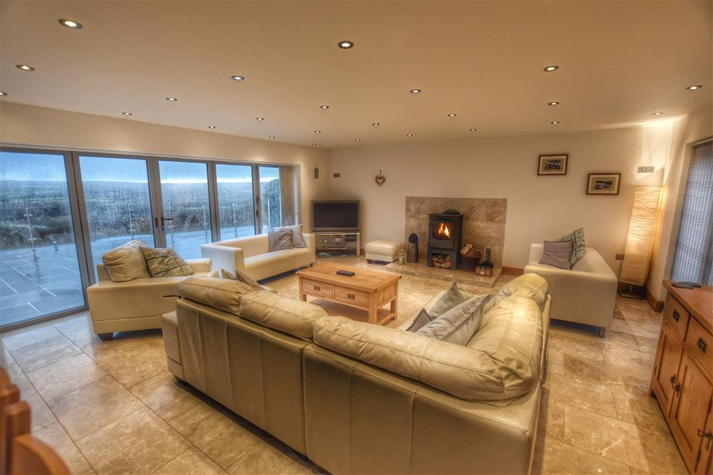 Stunning house with panoramic views of the Nevern Estuary and Newport Bay  Sleeps: 10  Property Ref: 2231