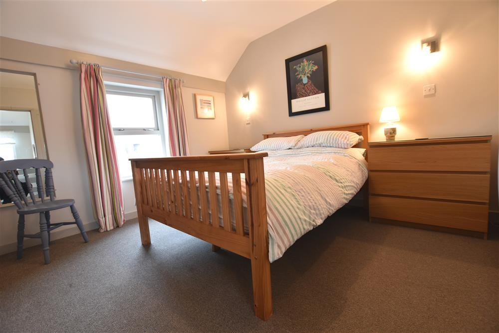 Photograph of 2229-4-Double bedroom