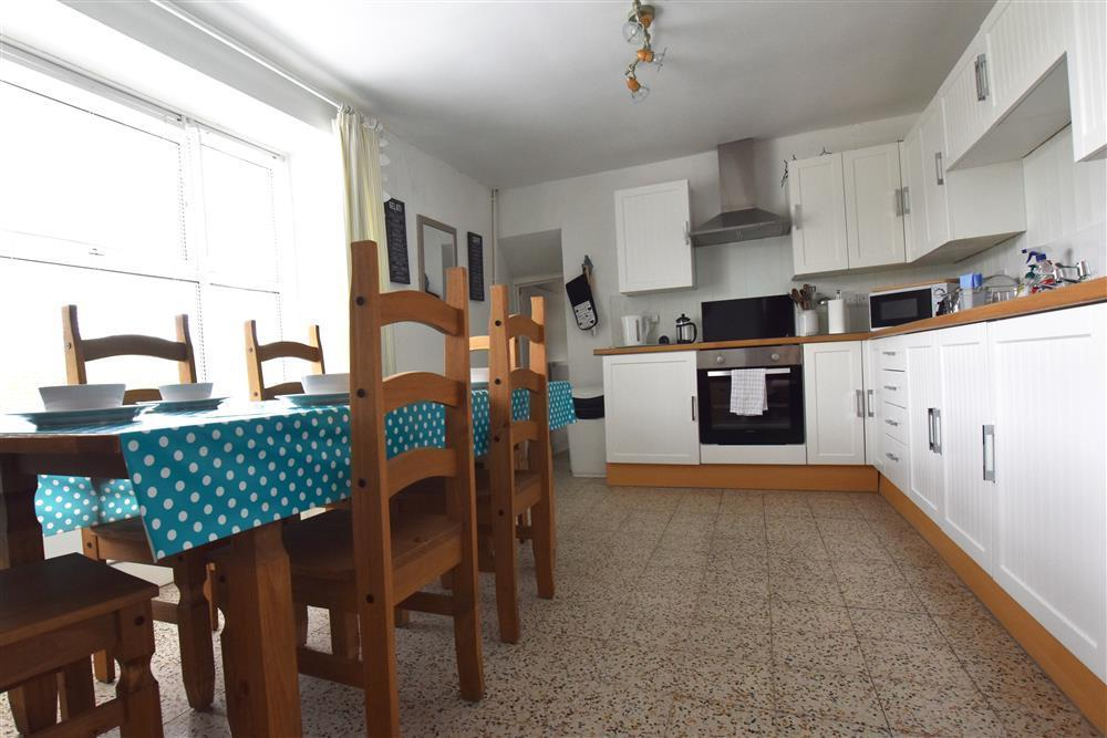 Photograph of 2232-3-kitchen-dining