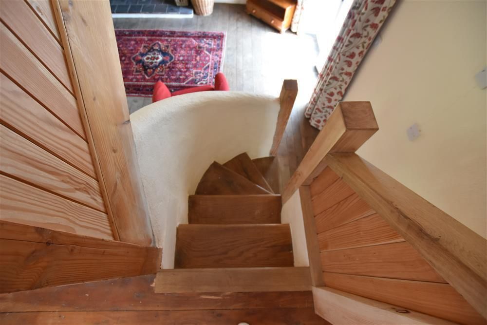 Photograph of 2224-3-stairs (3)