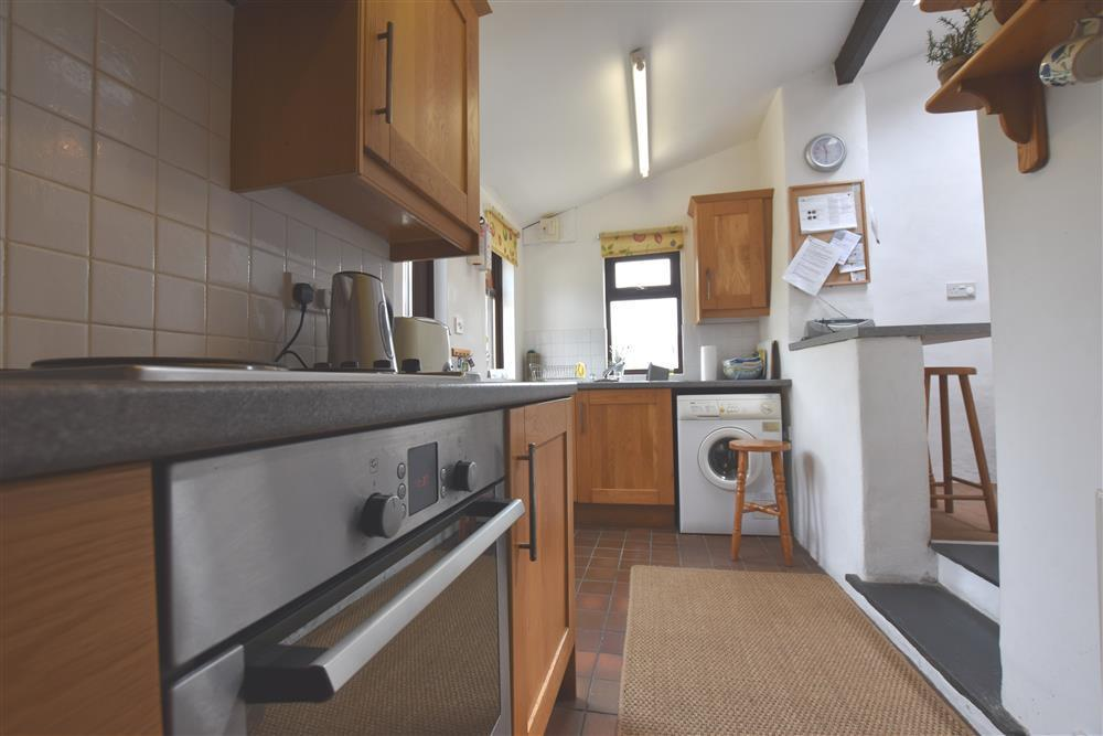 Photograph of 289-4-Kitchen2