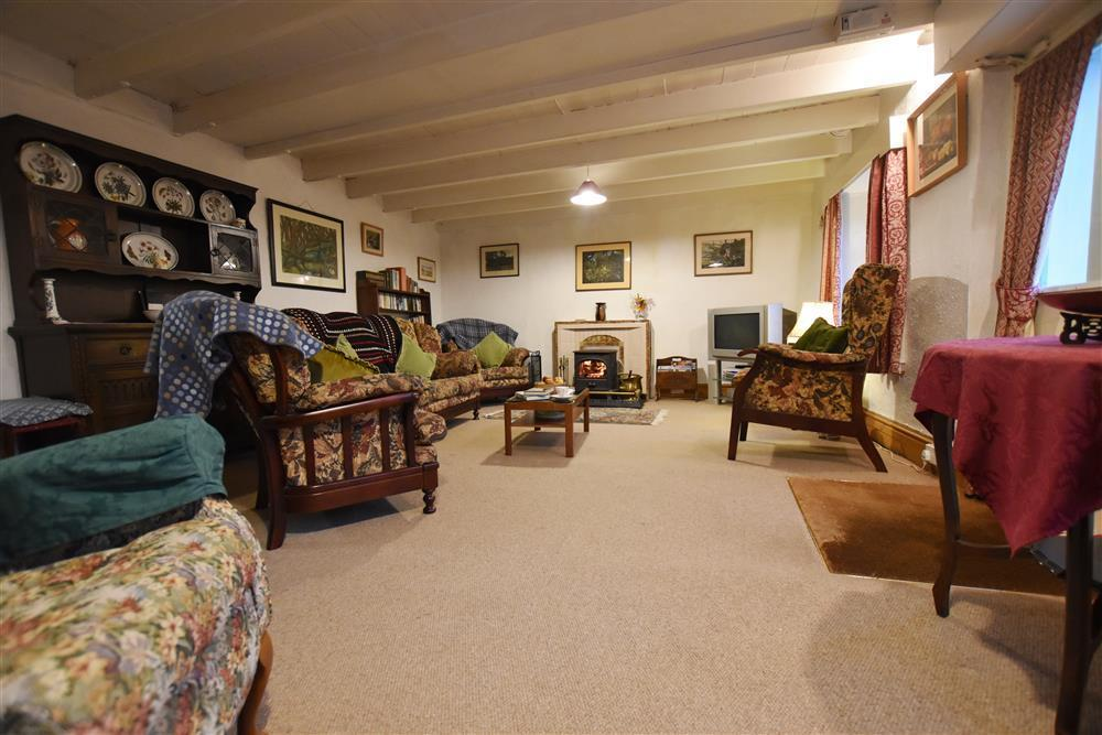 Photograph of 2251-2-sitting room (2)