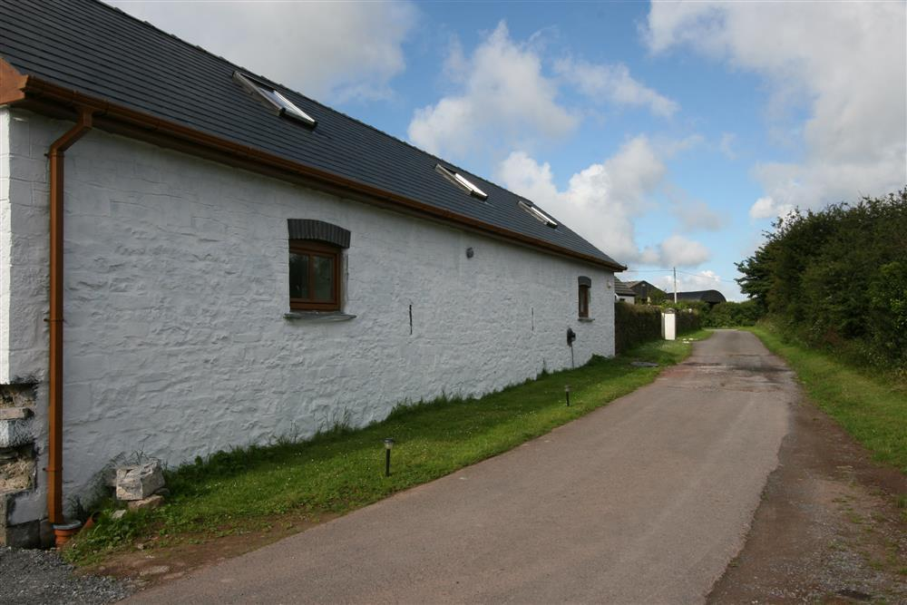 883-5-Laugharne Barns (1)