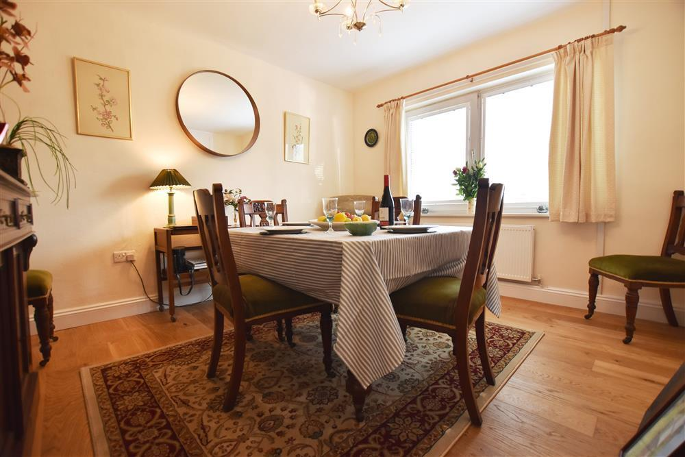 Photograph of 2242-3-Dining room (1)
