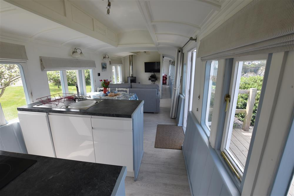 Photograph of 2019-1-Clifftop Carriage open plan (1)