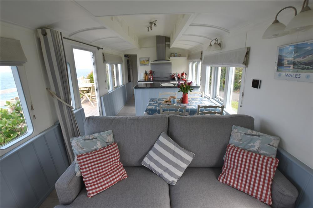 Photograph of 2019-1-Clifftop Carriage open plan (2)