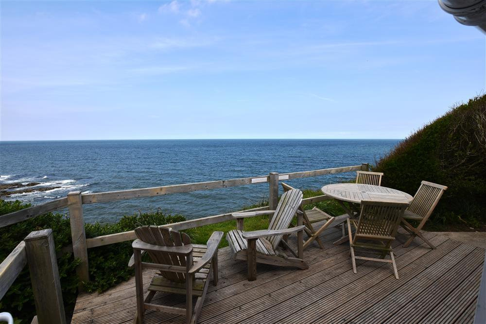 Photograph of 2019-4-Sea View Deck (1)