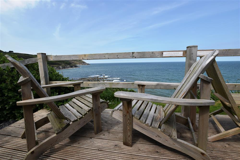Photograph of 2019-4-Sea View Deck (3)