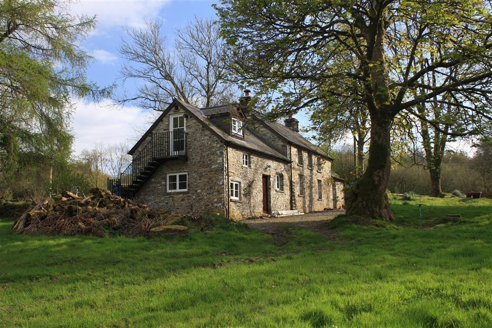 Detached rural retreat in the Ceredigion Countryside - Sleeps 8 - Ref 2077