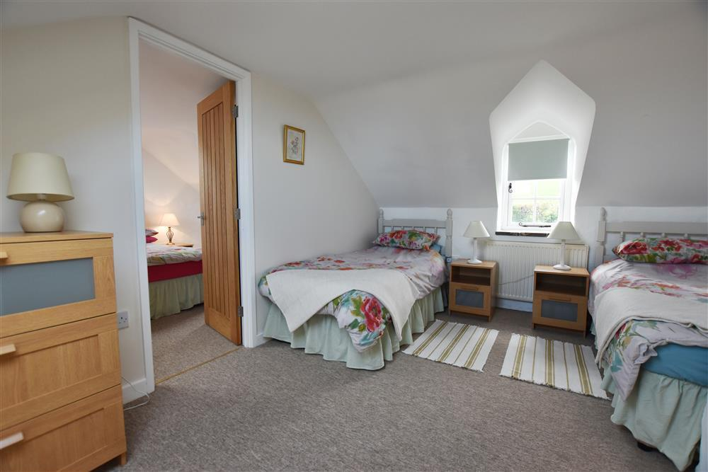 2101-7-cottage-twin-room