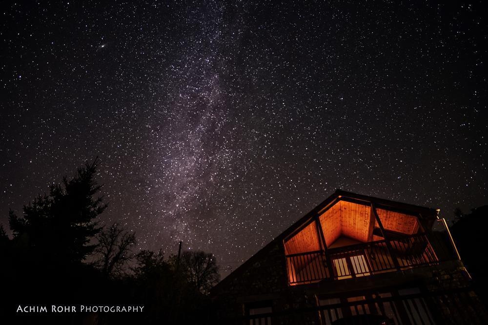 2200-1-Dan Castell Cottage dark sky1