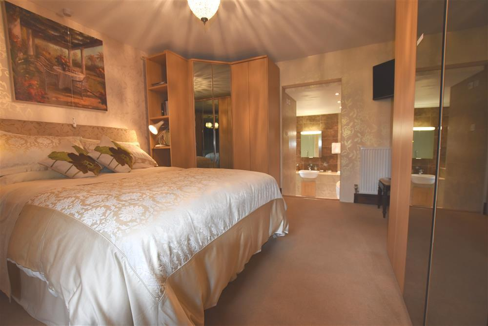 05 Barn Court Double and en-suite 521 (1)