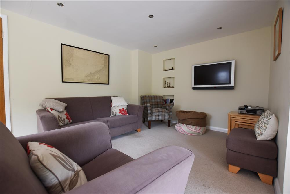 Photograph of 01 open plan Brynawelon Newport (2)