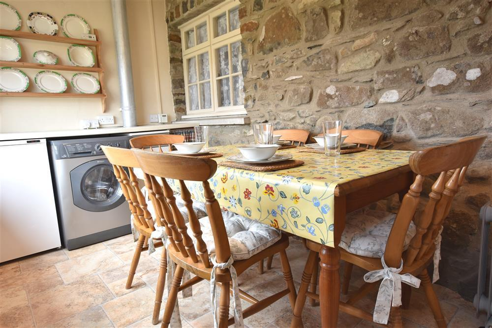 Photograph of 02 Cottage kitchen 2131 (1)