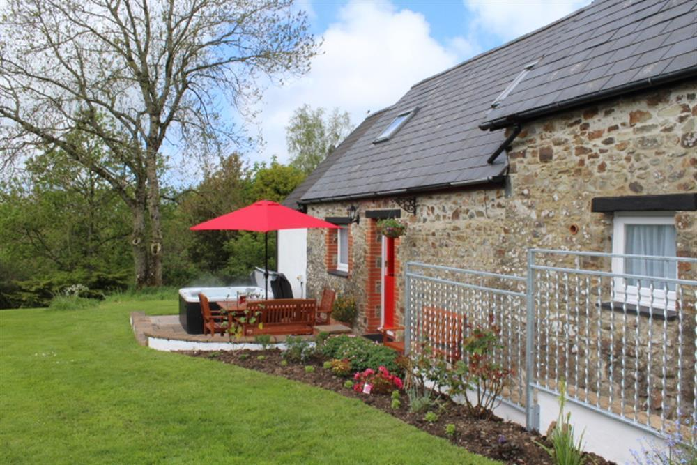 Photograph of 06 Pond Cottage New Quay 2174 (1)