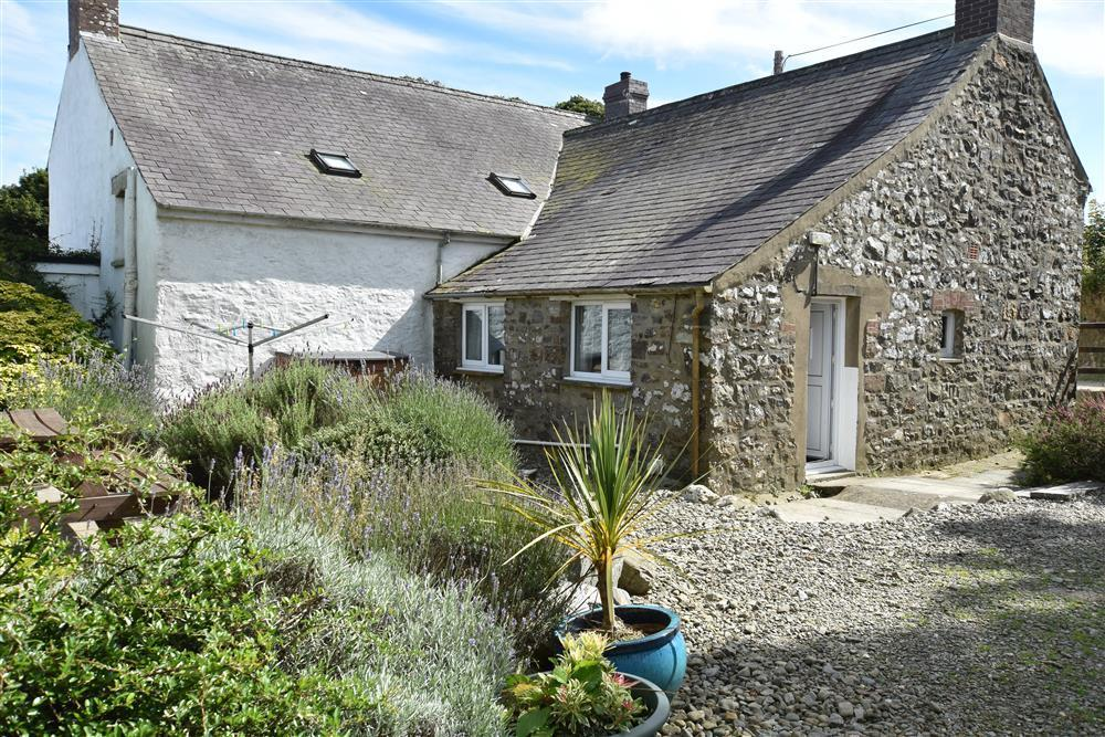 08 Pembrokeshire Farmhouse 101 (2)