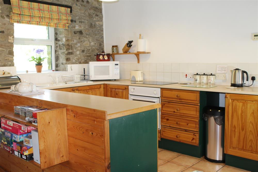 Photograph of 03-New Quay Cottage Kitchen- 751 (1)