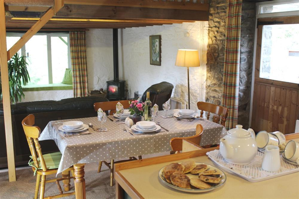 04-Ceredigion Dining Room-751 (1)
