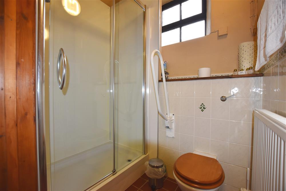 05-Shower Room-821