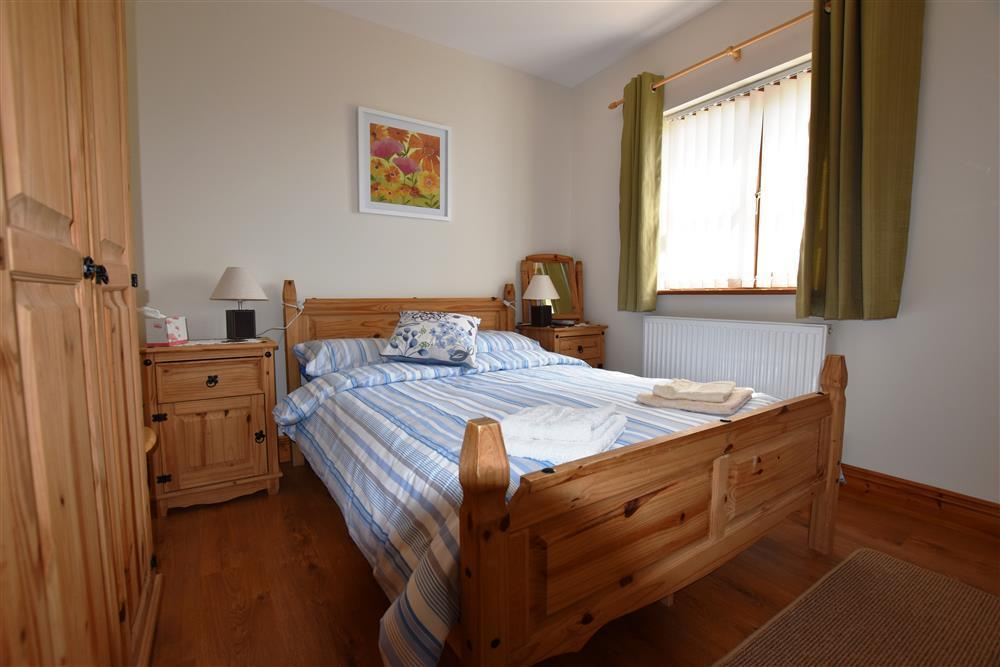04-Cardigan Sea View Double Bed-903