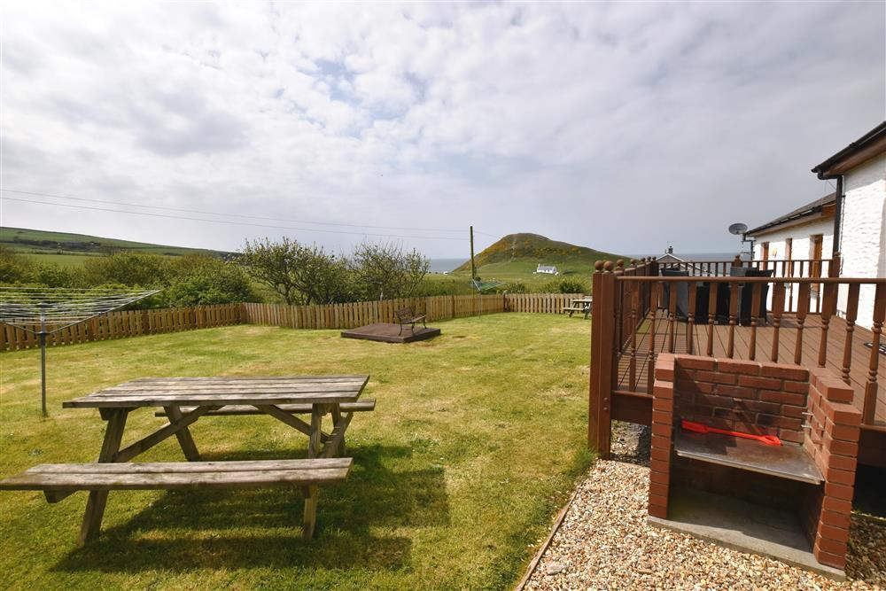 Photograph of 06-Mwnt Cottage Garden-903 (1)