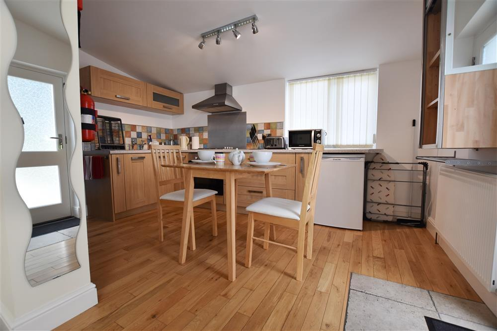 Photograph of 02 Hengoed Kitchen 2179 (3)